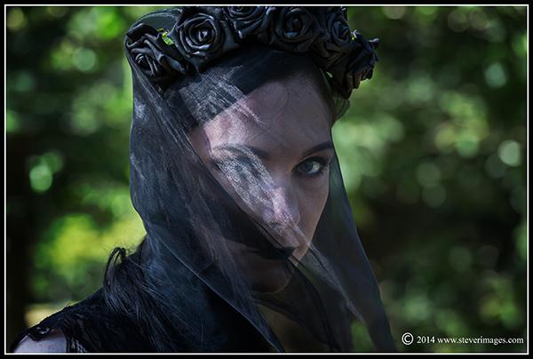woman in black, photo