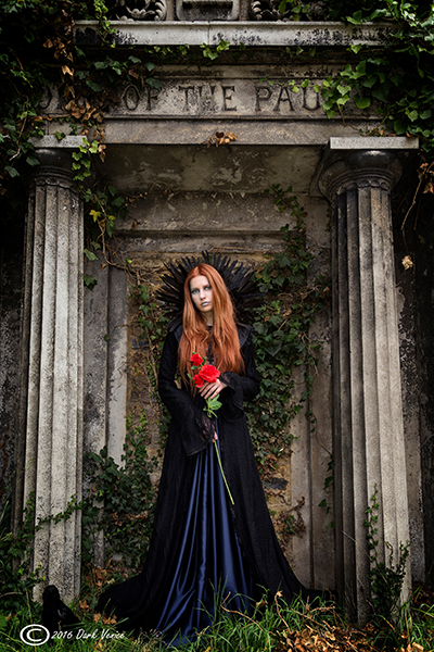 gothic female model, Kensal green cemetery, photo
