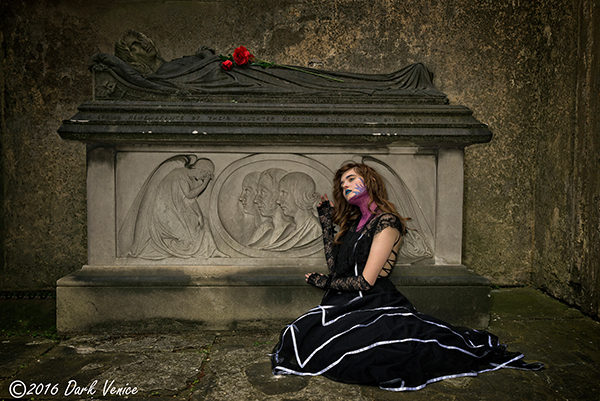 ghotic, female model, Kensal green cemetery , photo