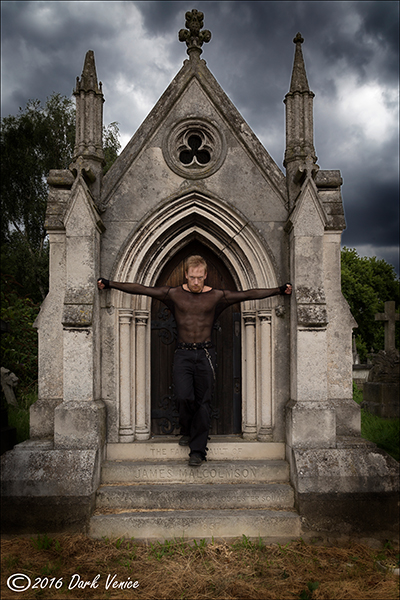 gothic model, Kensal Green cemetery, tomb., photo