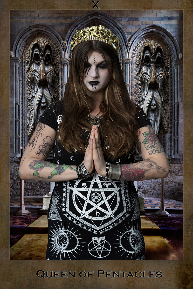 Queen, Queen of Pentacles, Gothic, Church, Tarot card, Dark tarot, Composite image of Queen of Pentacles as a Dark tarot card