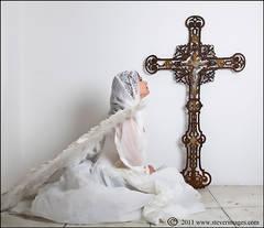 Angel, White angel, Crucifix