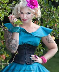 Temptation, apple, outdoors