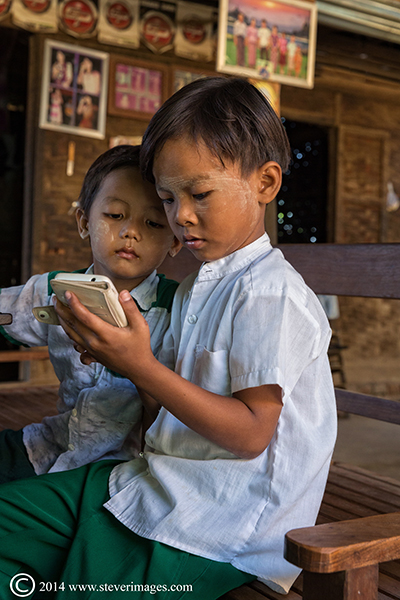 two boys, concentration, photo