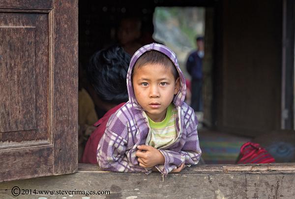 child at home, Burmese child, photo