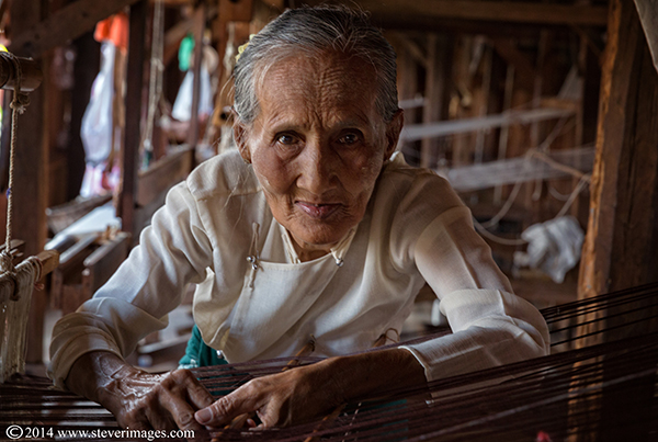 elderly lady, Burmese lady, hand sowing machine, photo