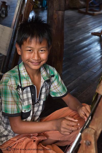 boy, Burmese boy, at work, photo