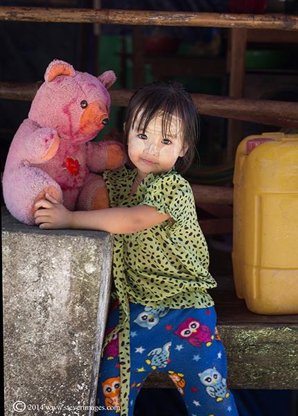 Child, teddy, Burmese child, photo