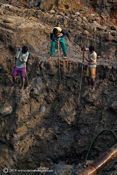 stone quarry workers, Bangladesh, photo