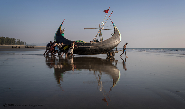 Boat launching, Bangladesh, photo