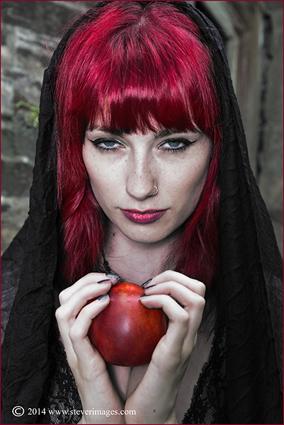 Red apple, woman with red apple, red hair, photo