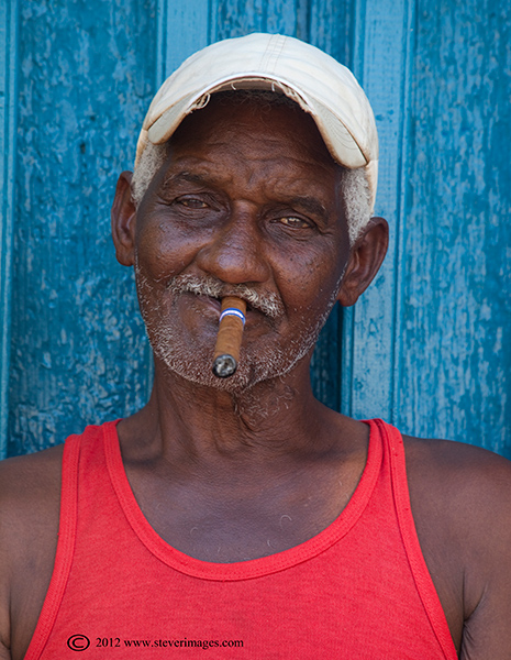 I like this image not least because the combination of colours reflect the flag of Cuba.
