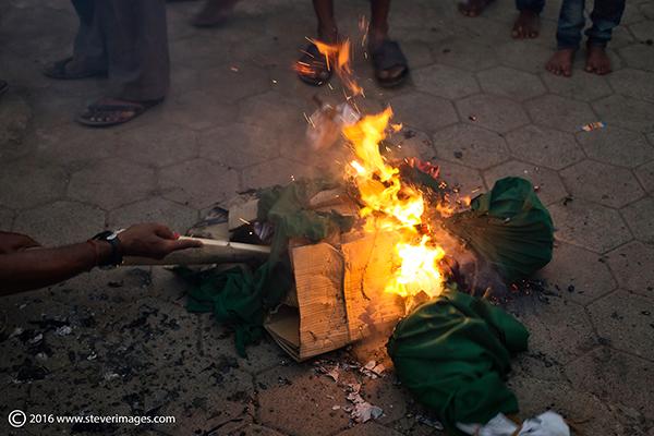 burning effigy, India, photo