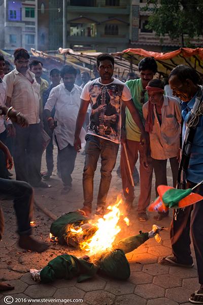 Protest, India, Burning effigy, photo