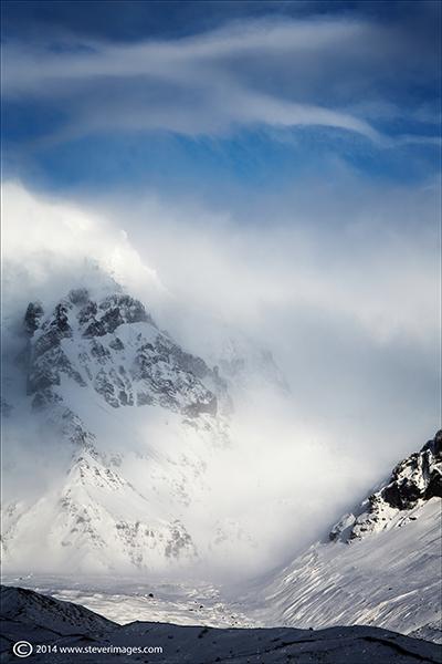 Iceland, Misty Valley, Mountains, Ice,snow, photo