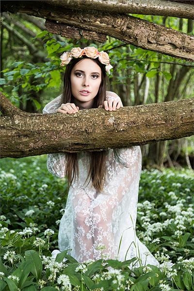 Female Portrait, nude, outdoor, woodland,, photo