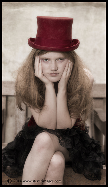 Mad Hatter, St Dunstan Church, London, Red top hat, photo