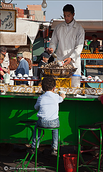 Saw this image as i was walking in the Djemaa-el-Fna square.